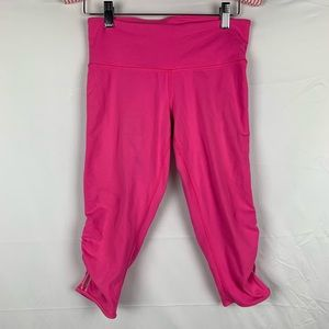Lululemon / Power Flow Crop Pinkalicious Pink